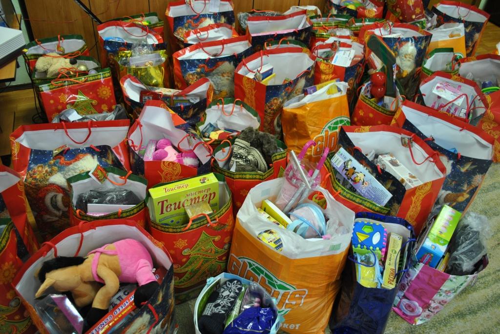 Раздача подарков в детском саду на новый год